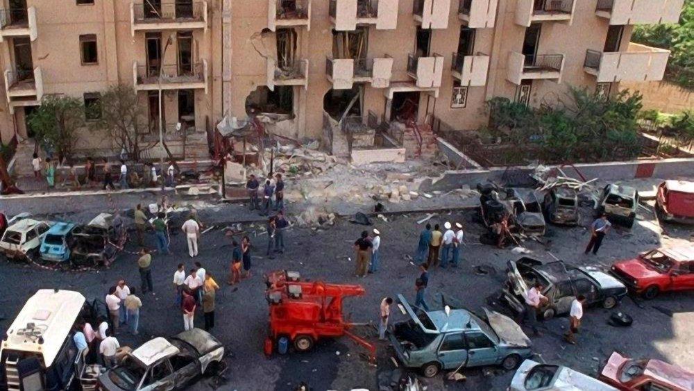 29 anni fa la strage di via d'Amelio. Oggi ribadiamolo tutti: 'Si alla legalità, no alle mafie'